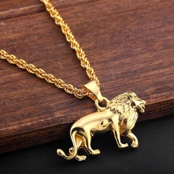 Fashionable lion necklace - gold