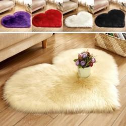 Heart-shaped carpet 40 * 50 cm